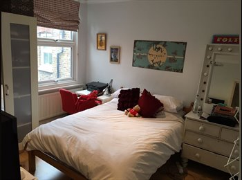 EasyRoommate UK - Lovely room avail in 3 bed flat in Turnpike Lane, Turnpike Lane - £500 pcm