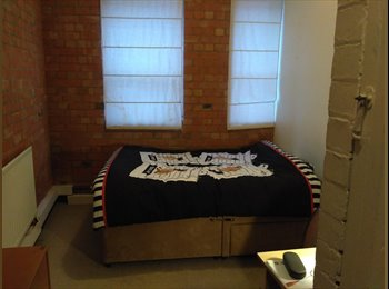 EasyRoommate UK - Double room furnished in flat in City centre, Leicester - £350 pcm
