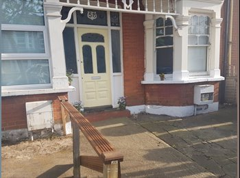 EasyRoommate UK - Double room, Seven Sisters - £630 pcm