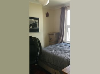 EasyRoommate UK -  Cosy room available in 4 bed house share, Brighton - £425 pcm