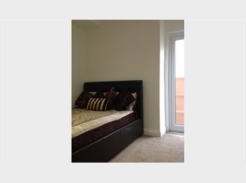 EasyRoommate UK - double bedroom with ensuite Mon - Fri let 0r full let, North Harrow - £600 pcm
