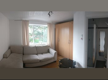EasyRoommate UK - Share house, good area, en suit bathroom, Preston - £300 pcm
