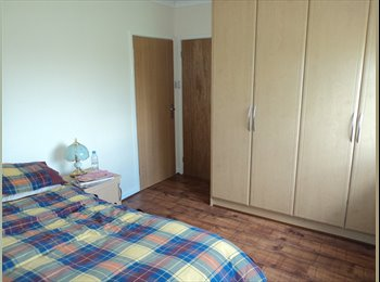 EasyRoommate UK - Bright and Airy Double Room, Forest Hill - £700 pcm