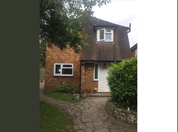 EasyRoommate UK - Great spacious room to let in a detached house , West Drayton - £550 pcm