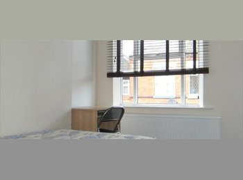 EasyRoommate UK - CONTACT EMAIL IN DESCRIPTION - Leicester student accommodation for 2017/18 available, Clarendon Park - £360 pcm