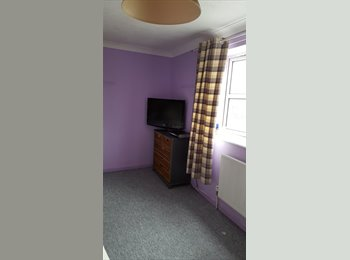 EasyRoommate UK - Love firstly painted room to rent in BRIGHTON , Brighton - £500 pcm