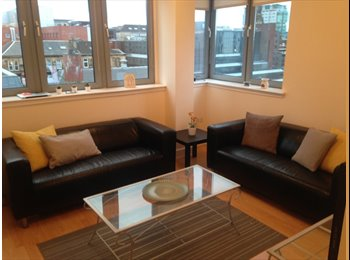 EasyRoommate UK - Double Room Available in Modern 2 Bed Flat (City Centre), Anderston - £440 pcm
