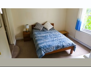 EasyRoommate UK - Forest Hill Large Double En Suite & Amazing Views, Forest Hill - £665 pcm