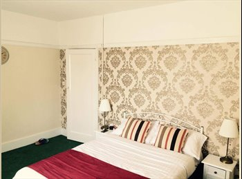 EasyRoommate UK - Double room for one person North Harrow, North Harrow - £350 pcm