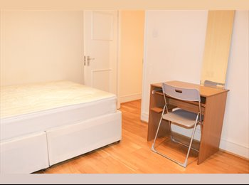 EasyRoommate UK - *BEAUTIFUL DOUBLE ROOM IN PORTOBELLO ROAD, ALL BILLS INCLUDED*, Notting Hill - £900 pcm
