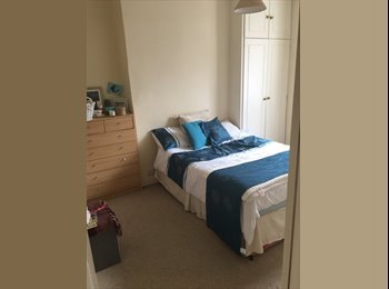 EasyRoommate UK - Double room close to tube and overground , Fulham - £650 pcm