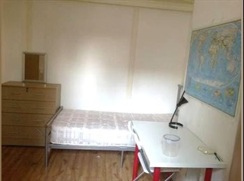 EasyRoommate UK - B    ***/ SUMMER OFFER FOR THIS TWIN ROOM, DOUBLE USE /*** LEYTON TUBE STATION, Stratford - £858 pcm