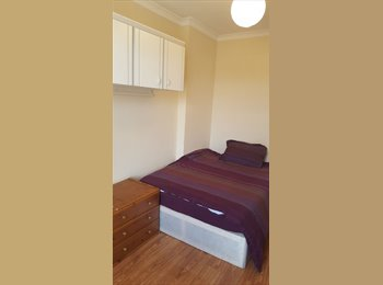 EasyRoommate UK - DOUBLE ROOM IN FOREST HILL - NO DEPOSIT, Forest Hill - £575 pcm