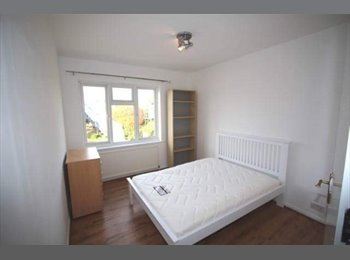 EasyRoommate UK - Double room near Kingston uni , Berrylands - £530 pcm