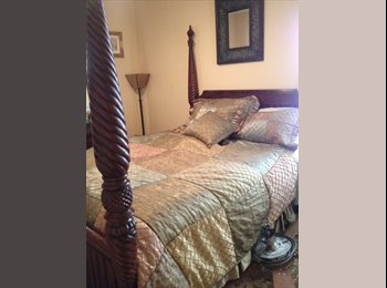 EasyRoommate US - stunning 3 bedroom 3 bath condo , Green Valley Ranch - $650 pm