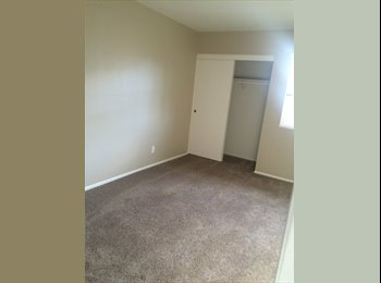 EasyRoommate US - Room for rent with private bath , Chatsworth - $800 pm