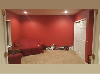 EasyRoommate US - Furnished room in SE Centennial , Parker - $725 pm