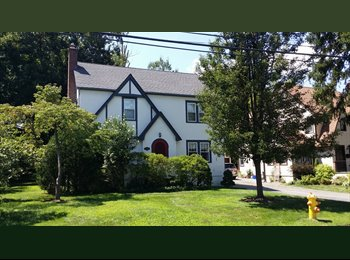 EasyRoommate US - Female tenant sought - room for rent in Private House, White Plains - $800 pm