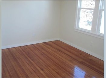 EasyRoommate US - Room for Rent in 3 Bedroom Apartment - 3 Family house, Bridgeport - $800 pm