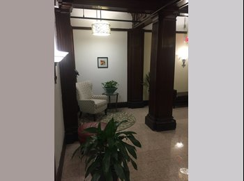 EasyRoommate US - No broker fee - Nice view room in luxury apartment, Prudential / St. Botolph - $1,352 pm