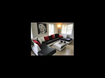 EasyRoommate US - Beautiful townhome room for rent , Wilton Manors - $750 pm
