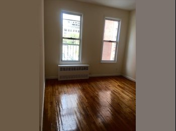 EasyRoommate US - Spacious Studio in Manhattan, Yorkville - $1,675 pm