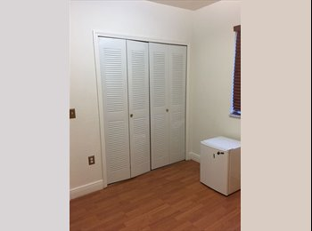 EasyRoommate US - Looking for Female Roommate - $600 Bedroom/Utilities included, Fontainebleau - $600 pm