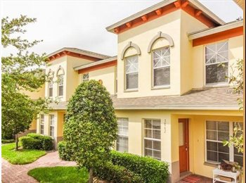EasyRoommate US - Townhome Near Downtown St. Petersburg, Saint Petersburg - $985 pm