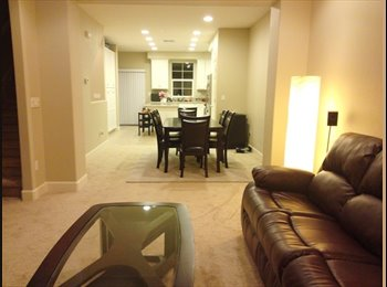 EasyRoommate US - Private bed/bath available in 4bed townhouse, Mckinley - $850 pm
