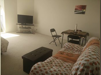 EasyRoommate US - Studio Apartment for Rent in Presidential Towers, West Loop - $1,480 pm