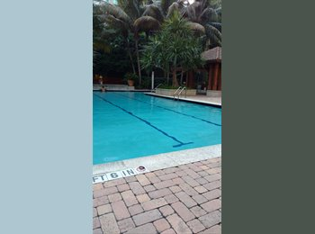 EasyRoommate US - Spacious Furnished Master Suite in South Miami, South Miami - $1,100 pm