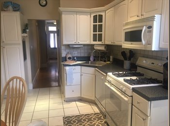 EasyRoommate US - Beautiful South Boston Apt, 2 blocks from East Broadway and quarter mile to the beach!, Telegraph Hill - $1,100 pm
