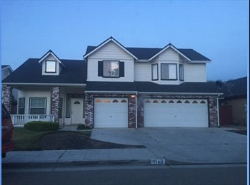 EasyRoommate US - Furnished Country Style Home in North Fresno , Fig Garden Loop - $1,300 pm