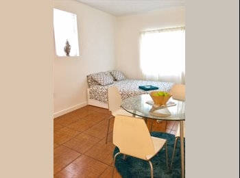 EasyRoommate US - Private efficiency/studio with pool access, Biscayne Park - $1,350 pm