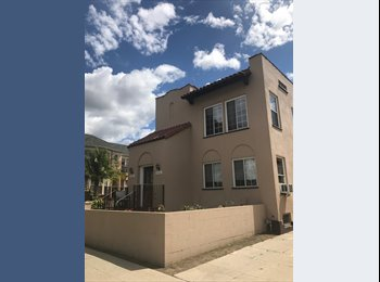 EasyRoommate US - BEAUTIFUL DUPLEX on melrose and fairfax , Melrose - $1,400 pm