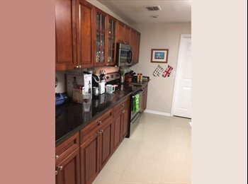 EasyRoommate US - 3/2 House in Margate - with Pool!!, North Lauderdale - $650 pm