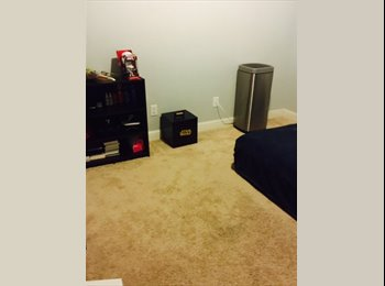EasyRoommate US - 1 room available on a 3BD/1.5BA, Union City - $900 pm