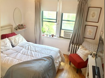 EasyRoommate US - Large Bedroom Available for Summer in Back Bay Fenway Utilities Included! , Prudential / St. Botolph - $1,250 pm