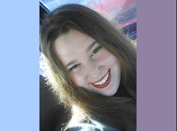 EasyRoommate US - Helen - 23 - Charleston