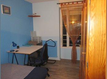 Appartager FR -  chambre  quartier Faubourg Arche de la Défense, La Garenne-Colombes - 700 € /Mois
