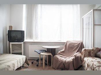 EasyKamer NL - Room Beurs, Rotterdam - € 650 p.m.