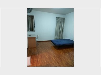 EasyRoommate SG - Terrace House Near MRT, Boon Lay - $1,250 pm