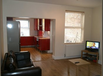 EasyRoommate UK - [AB73] EN-SUITE C/ CENTRE RMS, REGULAR CLEANER, Pear Tree - £419 pcm