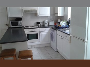 EasyRoommate UK -  Single room in  clean, furnished shared house., Alvaston - £295 pcm