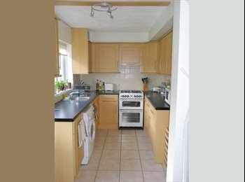 EasyRoommate UK - Lovely Double Room in Guildford, Guildford - £650 pcm