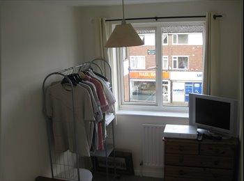 EasyRoommate UK - Single Room in Fleet Town Centre, Fleet - £450 pcm