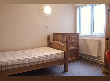EasyRoommate UK - En-Suite single room- Bills included & Furnished- Pall Mall, Liverpool 3 City Centre, Liverpool - £450 pcm