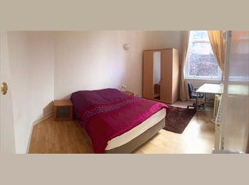 EasyRoommate UK - LIVERPOOL CITY CENTRE FLAT - 2 ROOMS AVAILABLE, Liverpool - £500 pcm