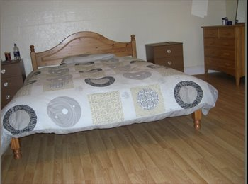 EasyRoommate UK - HUGE DOUBLE ROOMS AVAILABLE, Longsight - £296 pcm