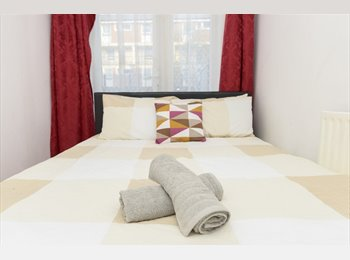 EasyRoommate UK - Large 5 Bed House in the Heart of East London, Poplar - £650 pcm